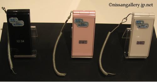 スクラッチシールドを採用したNTTドコモの携帯電話「N-03B」