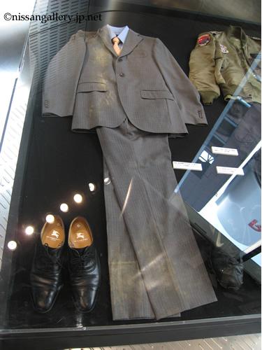 杉下右京の衣装