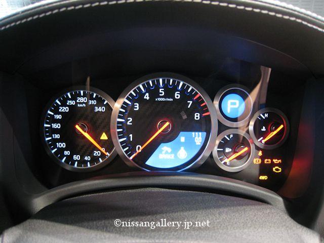 GT-R 2014年モデル メーター