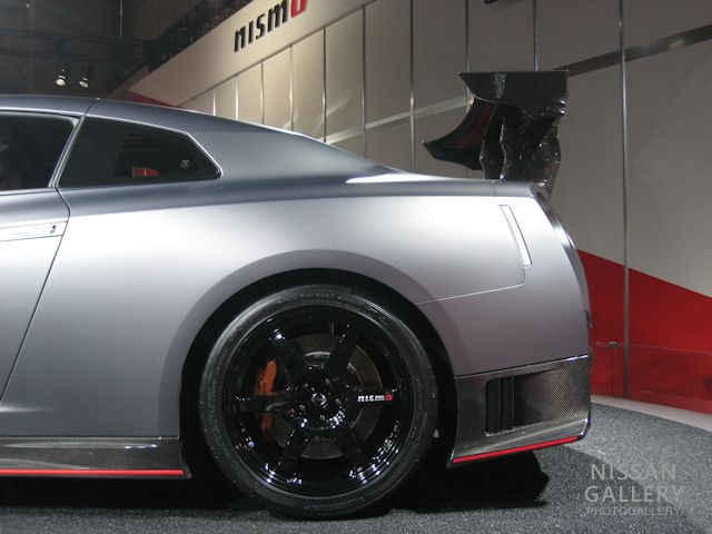 "GT-R NISMO ""NISMO N Attack Package""装着車リアウイング"