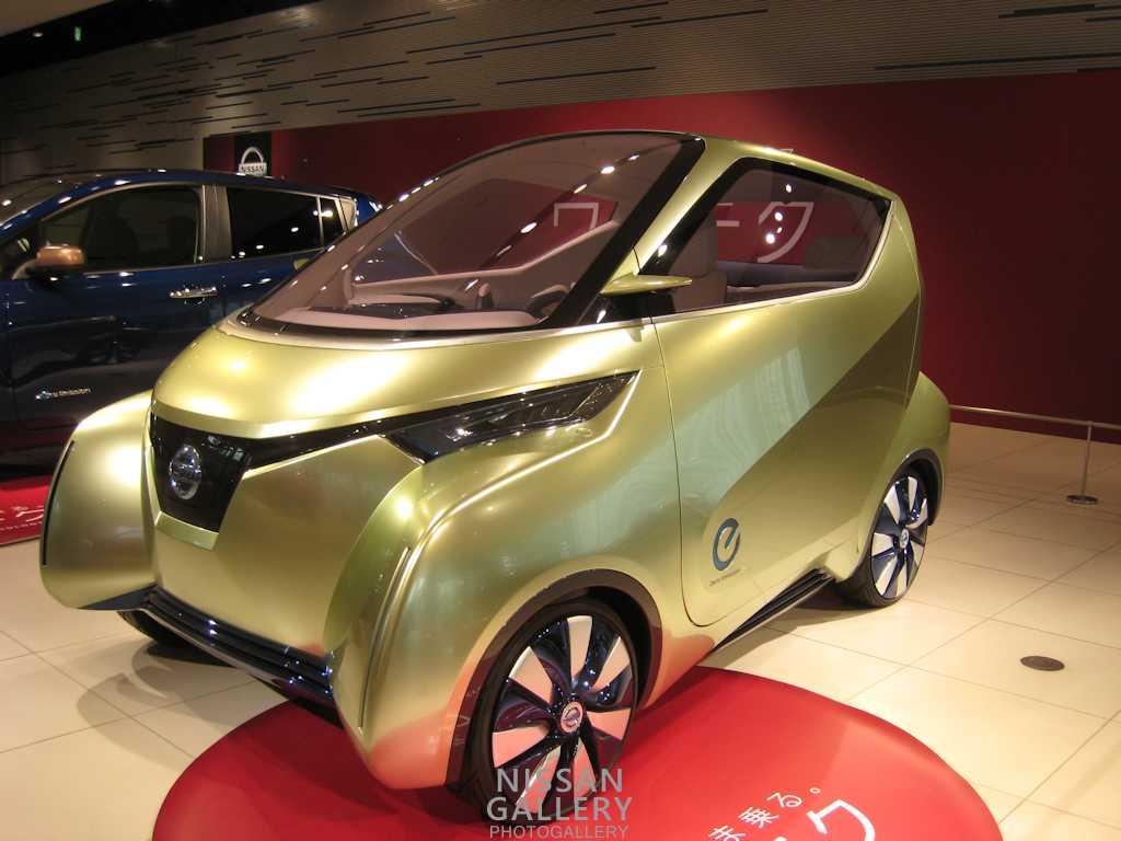 電気自動車のコンセプトカーピボ3を展示