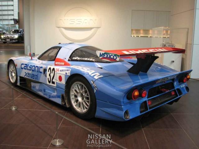 r390gt1レースカー