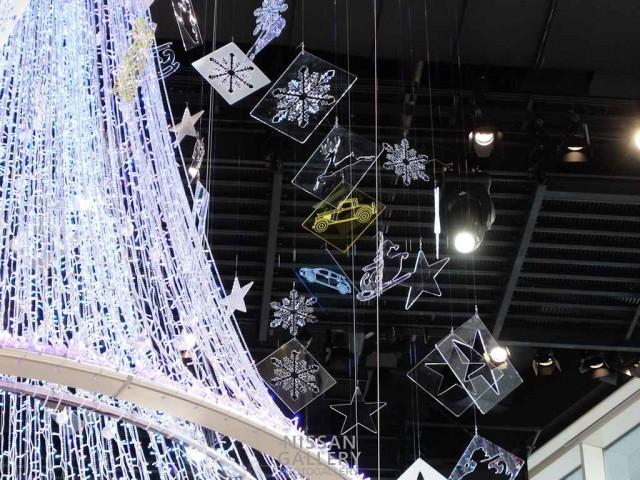 日産グローバル本社ギャラリーのクリスマスツリー