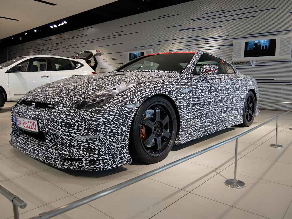 日産 世界最速のGT-Rを展示