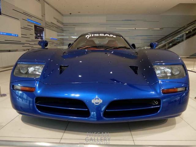 ニッサン R390 GT1 ロードカー