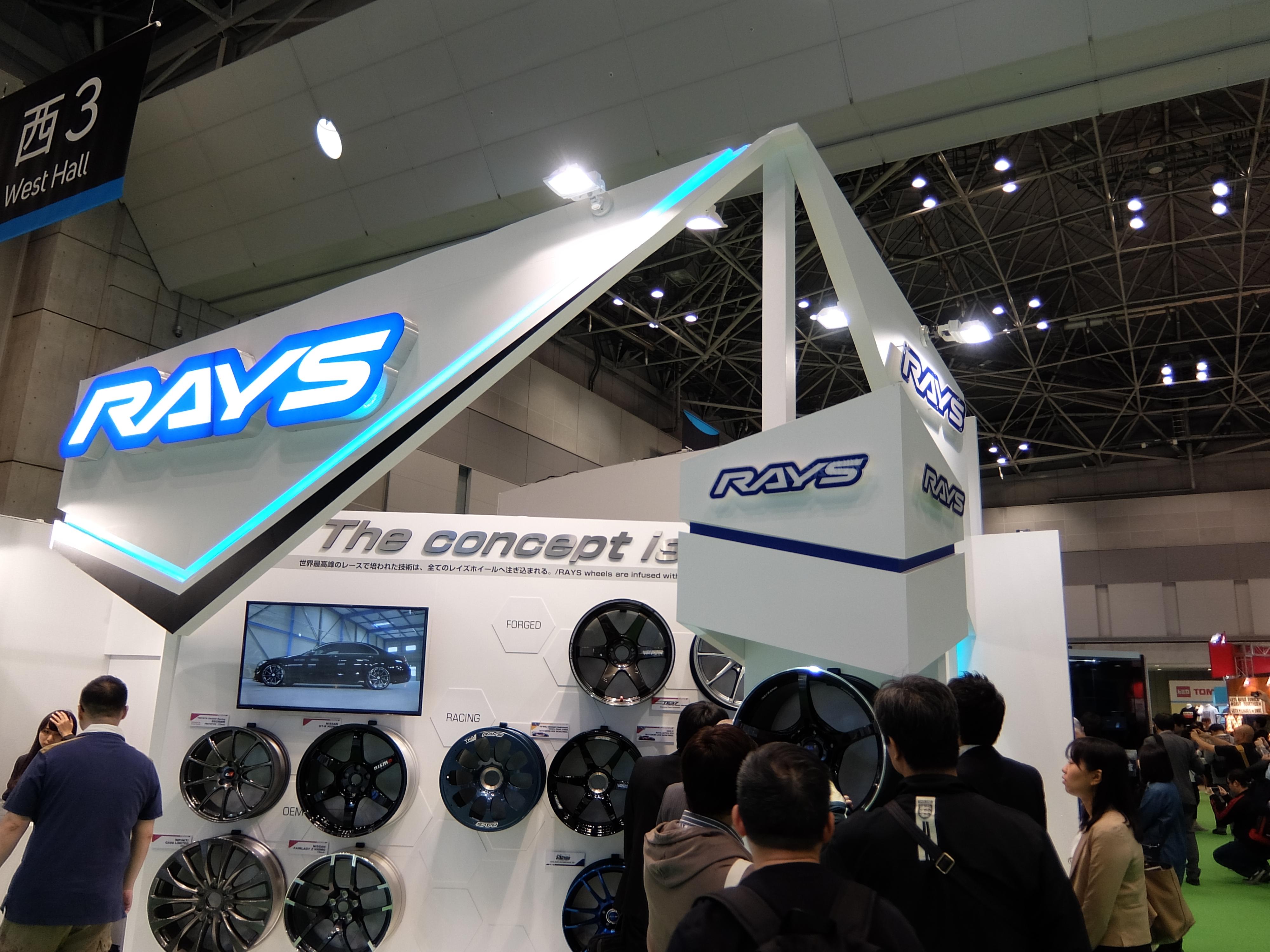 日産車に採用のホイール 第44回東京モーターショー2015