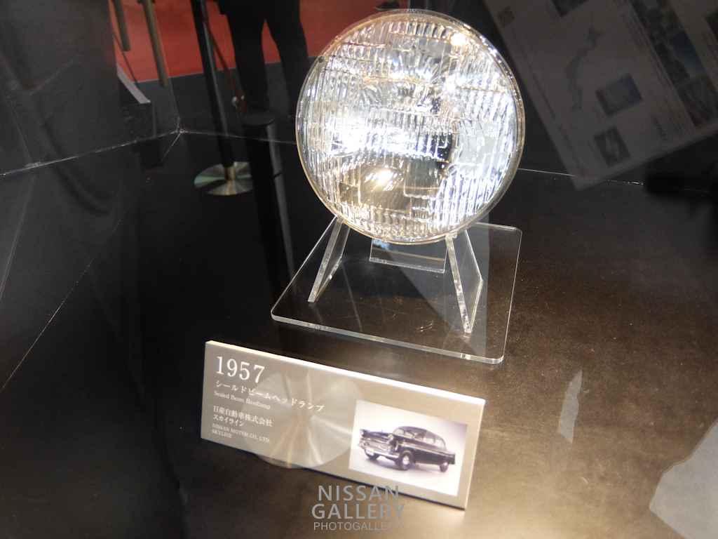 小糸製作所の日産車用ライト 第44回東京モーターショー2015