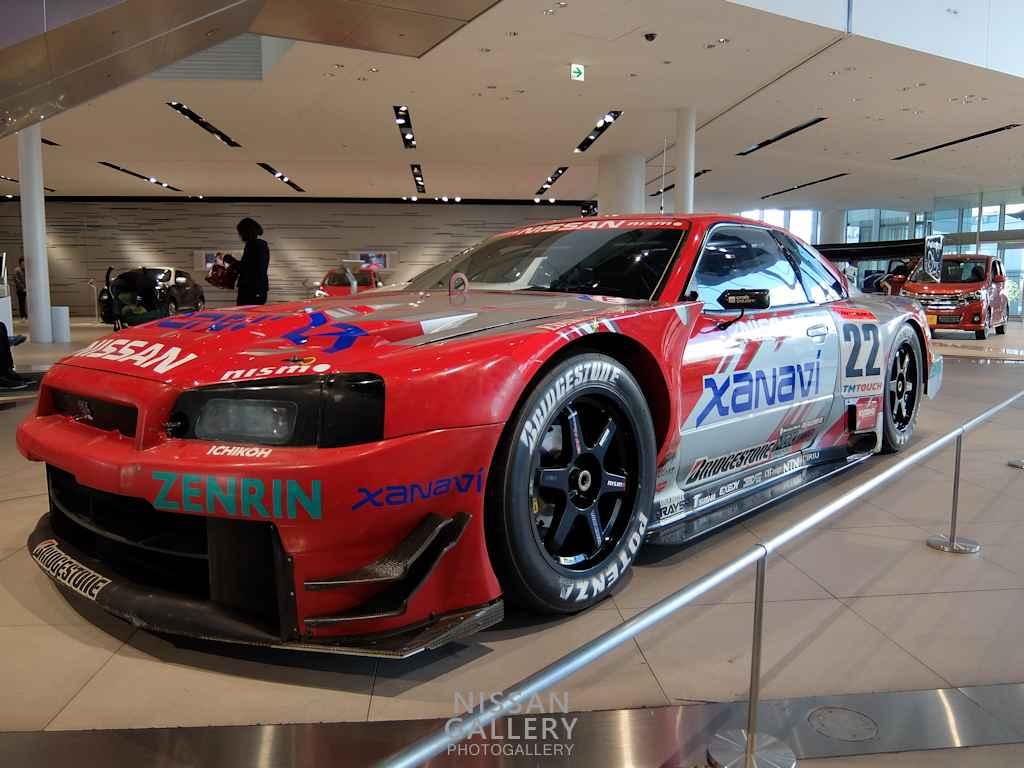 ザナヴィ ニスモGT-R 2002年モデルを展示
