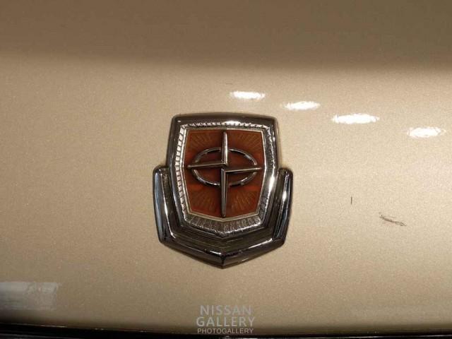 332型セドリック