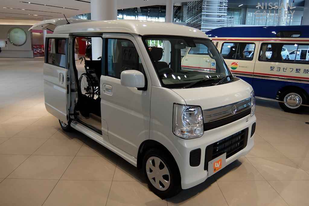 日産 NV100クリッパーリオの福祉車両を展示