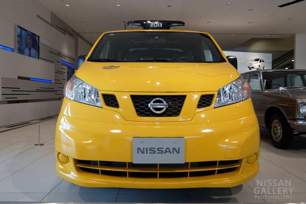 日産 ニューヨークのNV200タクシーを展示