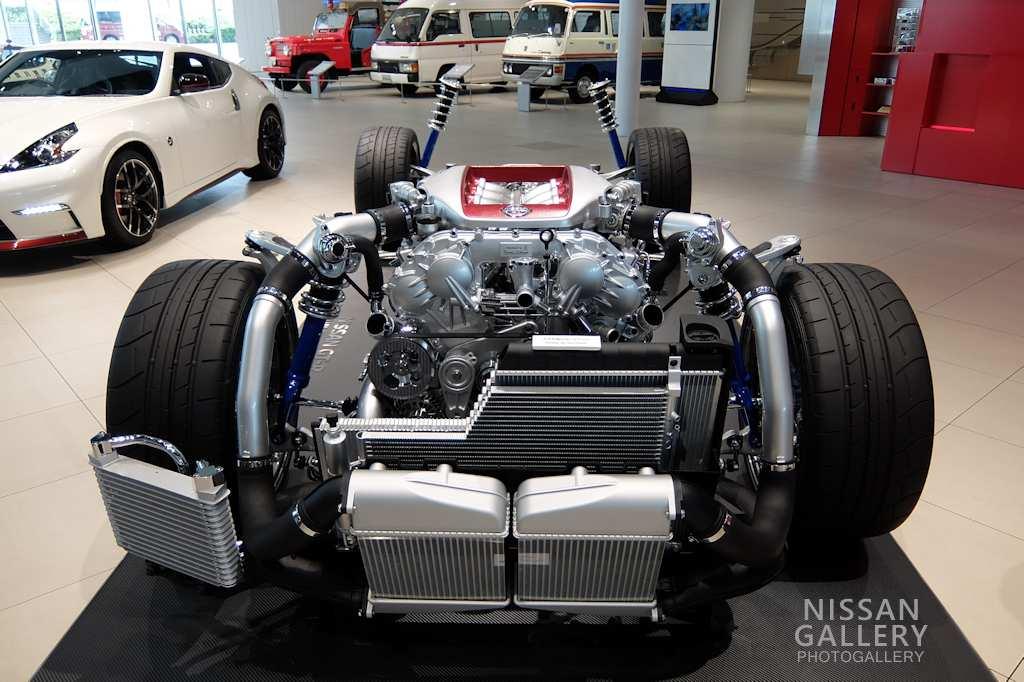 日産 GT-Rの「プレミアム・ミッドシップパッケージ」を展示