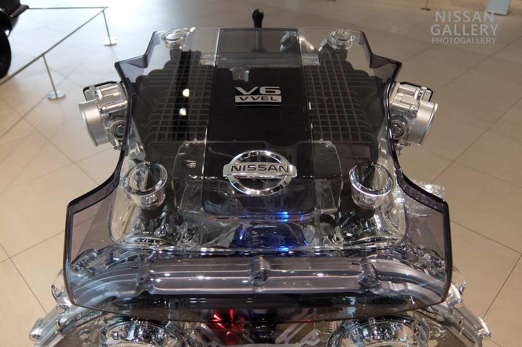 日産 VQ37VHRエンジンを展示