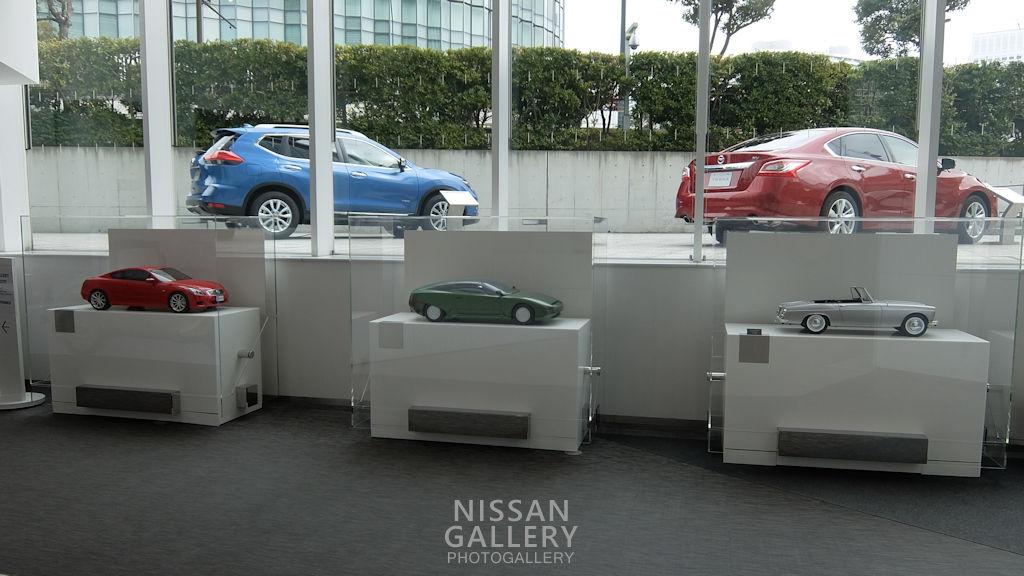 日産 スカイラインクーペのモデルカーを展示