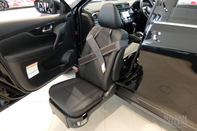 エクストレイル 20X 助手席スライドアップシート