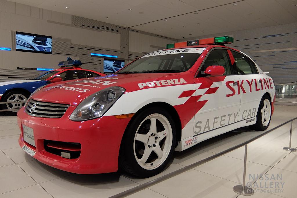 スカイライン 300GT セーフティカー